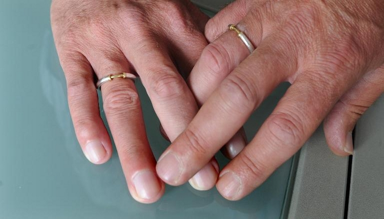 Kein Steuervorteil für nicht eingetragene Lebenspartner (© 2014 AFP)