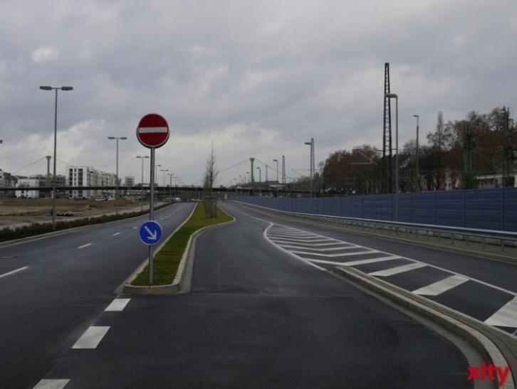 Neue Lärmschutzwand für die Toulouser Allee wird errichtet (xity-Foto: T. Hermann)