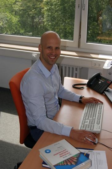 Dr. Martin Alfuth ist zum Professor für Therapiewissenschaften am Fachbereich Gesundheitswesen der Hochschule Niederrhein berufen worden. (Foto: Dr. Christian Sonntag)