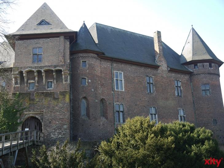 Bücherbasar der Freunde des Museums Burg Linn. (xity-Foto: E. Aslanidou)