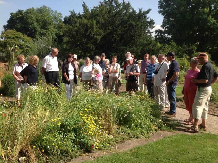 """""""Kostbares und Köstliches"""" war das Thema einer Führung durch den Botanischen Garten der Stadt Krefeld. (Foto: Peter Koenen)"""