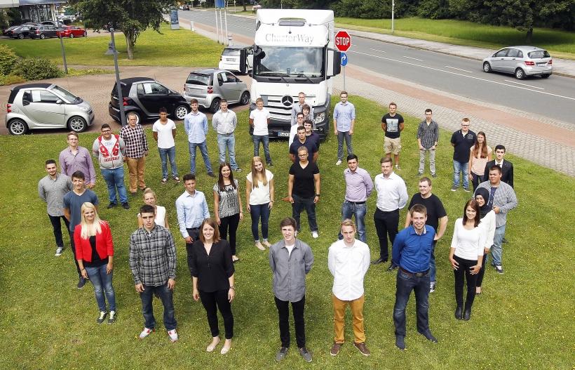 35 neue Auszubildende hat die Mercedes-Benz Niederlassung Rhein-Ruhr gestern begrüßt. (Foto: Tim In der Smitten)