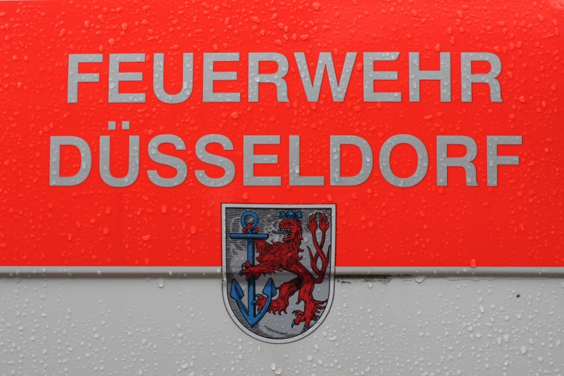 Älteres Ehepaar stürzt in Pempelfort ins U-Gleisbett (xity-Foto: D. Postert)