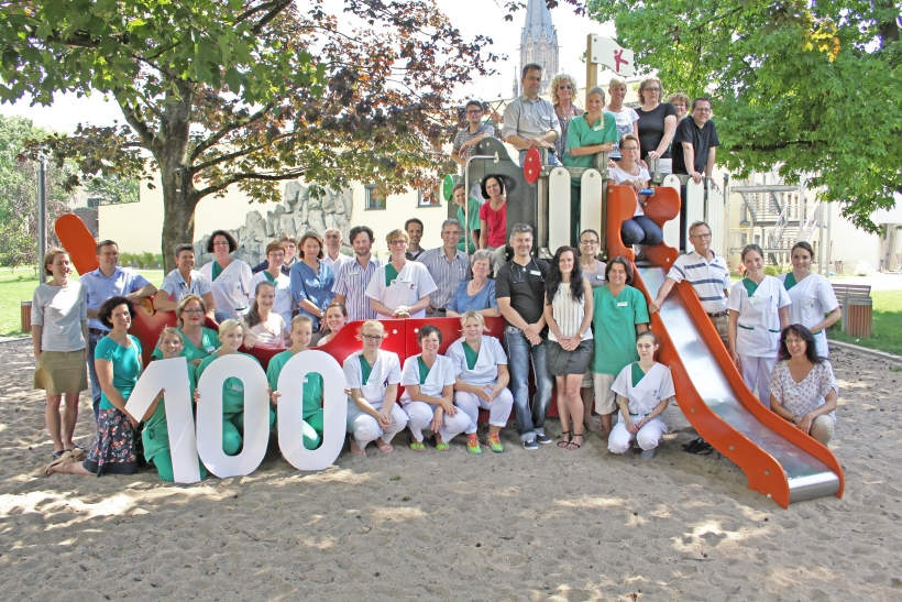 Das neue Gruppenbild Team Kinderklinik heute. (Foto: M. Dorsch)