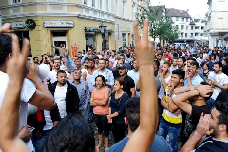 Tausende Jesiden wollen in Bielefeld demonstrieren (© 2014 AFP)