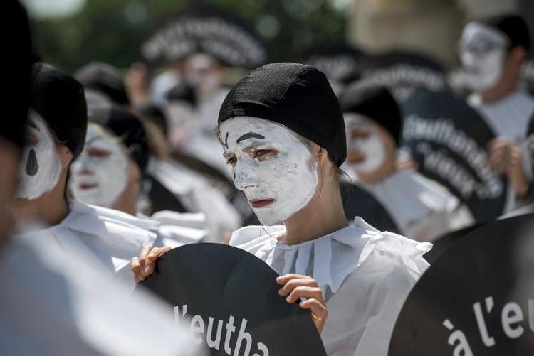 Ärzteschaft gegen Beteiligung von Medizinern an Suiziden (© 2014 AFP)