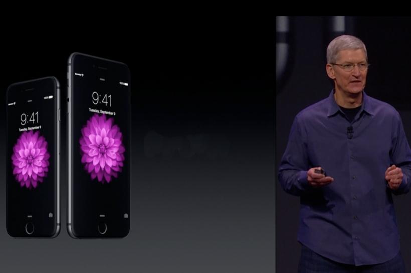 Tim Cook, CEO von Apple, präsentiert die neuen iPhone′s (Foto: Apple)