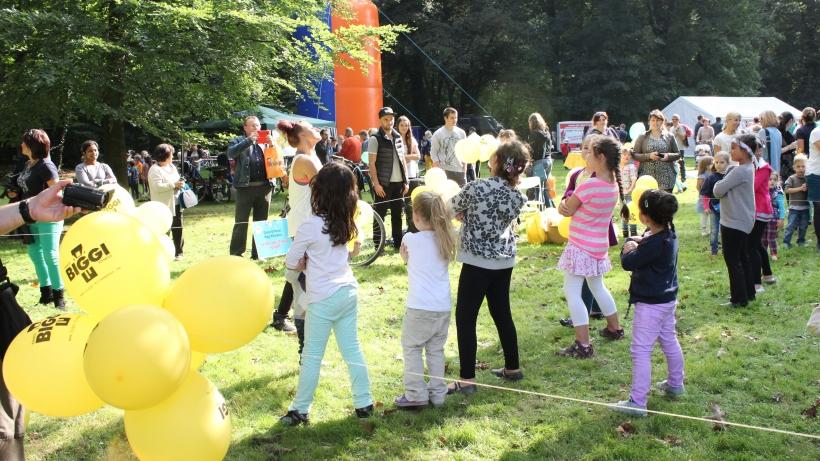 In diesem Jahr waren die Möglichkeiten sich zu amüsieren, noch umfangreicher. Zwischen der Konzertmuschel am Stadtwaldhaus und dem großen Spielplatz wurde ein tolles Programm geboten. (xity-Foto: E. Aslanidou)
