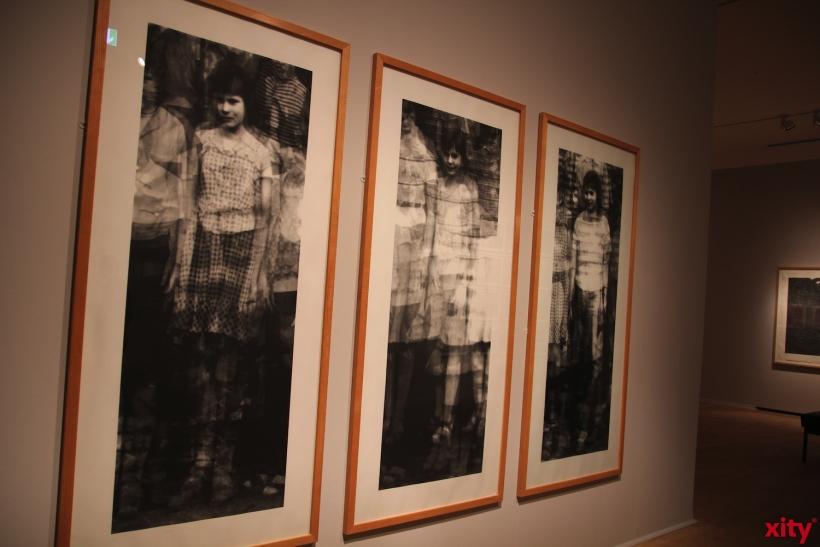 """Lebensgroße Werke der Leipziger Künstlerin in der Ausstellung """"White Noise"""" (xity-Foto:AO)"""