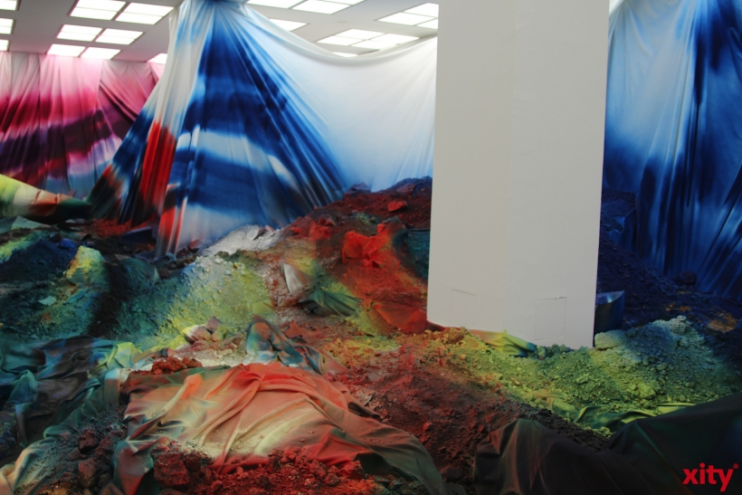 Saal im Musuem Kunstpalast verändert durch die Künstlerin (xity-Foto:AO)