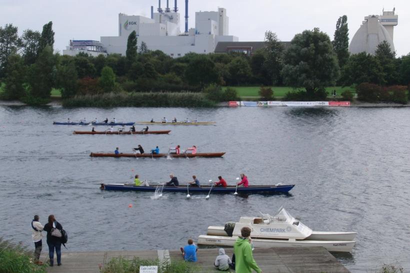 Über 200 Meter mussten die Schüler ihr Können im Einer, Zweier oder Gig Vierer mit Steuermann zeigen. (Foto: W. Jansen)
