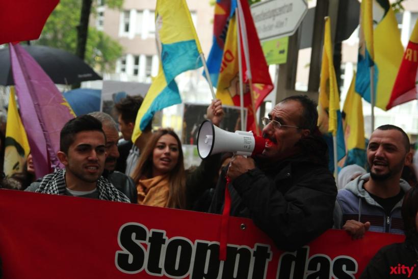 Die Demonstranten fordern Solidarität und Humanitäre Hilfe (xity-Foto: P. Basarir)