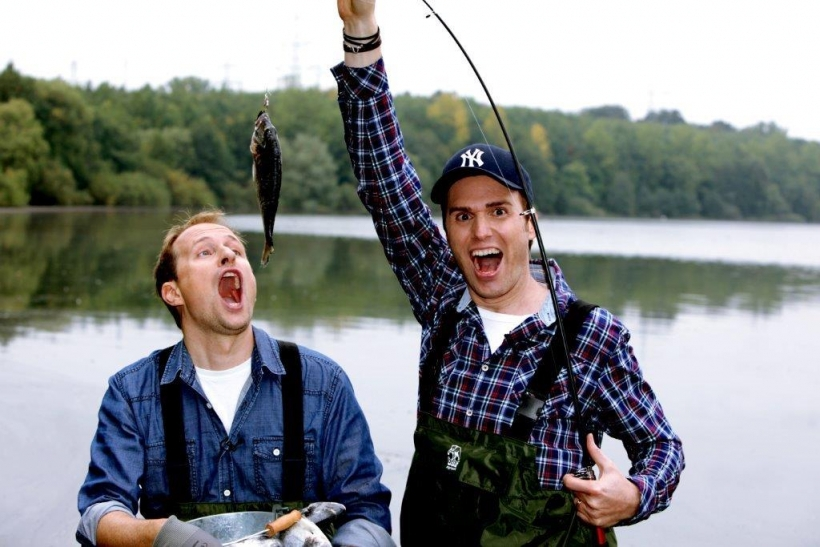 Am 22. Oktober 2014 sind die 1LIVE-O-Ton-Charts zu Gast. Die Moderatoren Olli Briesch und Michael Imhof präsentieren die Highlights der beliebten Comedy-Rubrik. (Foto: KuFa)