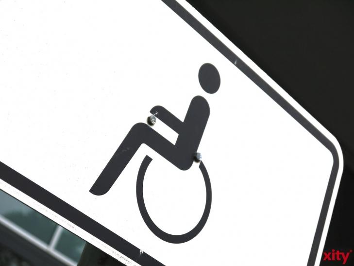 Tag des weißen Stocks am 15. Oktober 2014 macht auf Sehbehinderte aufmerksam. (xity-Foto: P. Basarir)