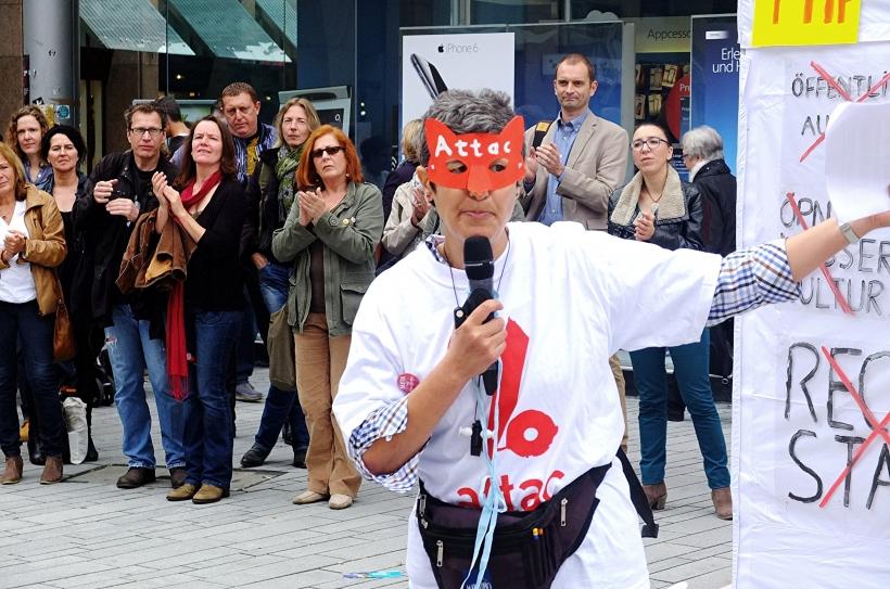 Attac-Aktion gegen TTIP auf dem Schadowplatz (Foto: Attac)