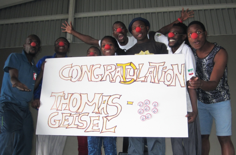 Clownschule gratuliert Thomas Geisel (Foto: HPS Kommunikation)