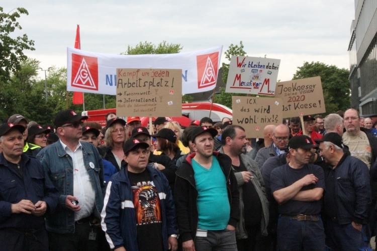 Die IG Metall fordert fünf Prozent mehr Einkommen für die Beschäftigten der westdeutschen Textil- und Bekleidungsindustrie. (xity-Foto: E. Aslanidou)