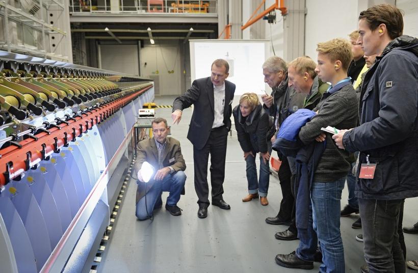 In Krefeld konnten die Besucher bei der Langen Nacht der Industrie unter anderem beim Unternehmen ALLMA Volkmann - Zweigniederlassung der Saurer Germany GmbH & Co. KG - hinter die Kulissen blicken. (Foto: IHK)