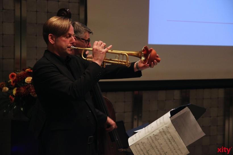 Die Big Band der FH Düsseldorf untermalte den Abend musikalisch. (xity-Foto: P.Basarir)