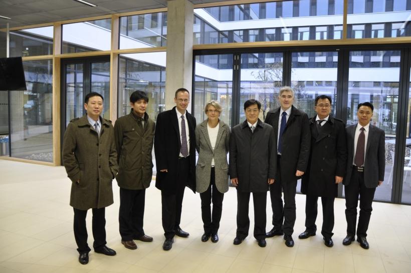 Die chinesische Delegation zu Gast im Neubau an der Obergath. (Foto: Dr. C. Sonntag)