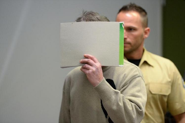Drei Jahre und neun Monate Haft für Hoeneß-Erpresser (© 2014 AFP)