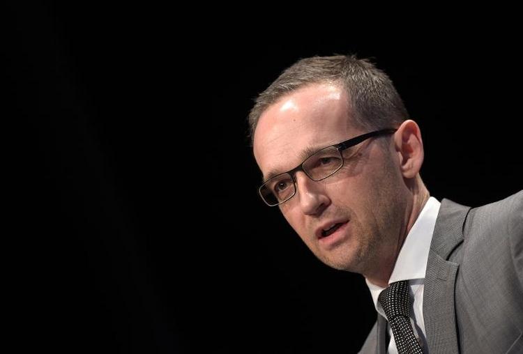 Maas will Stalking-Opfer besser schützen (© 2014 AFP)