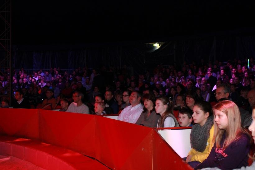 Viele Zuschauer waren zur Premiere erschienen (xity-Foto. E. Aslanidou)