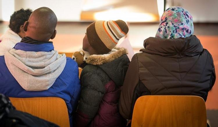 Mehrheit der Deutschen findet Flüchtlingszahl angemessen (© 2014 AFP)