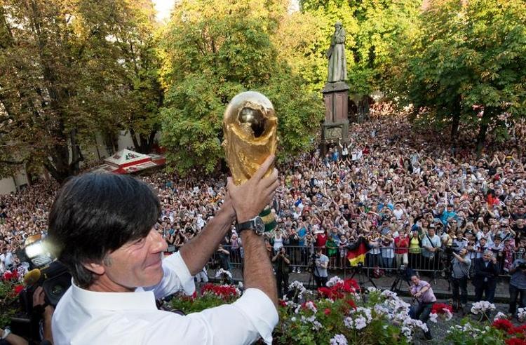 Löw kann sich Zukunft als Vereinstrainer vorstellen (© 2014 AFP)
