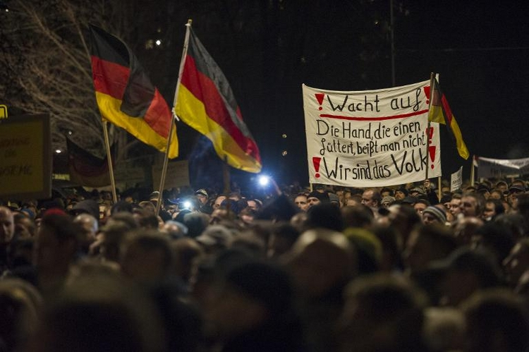 EKD-Vorsitzender: Pegida missbraucht Begriff Abendland (© 2014 AFP)