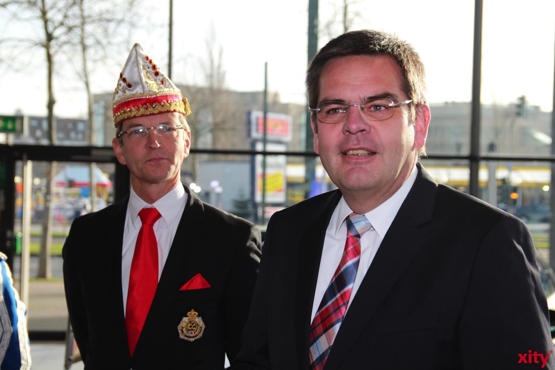 Bartos freut sich den Düsseldorfer Karneval so zu unterstützen (xity-Foto: P. Basarir)