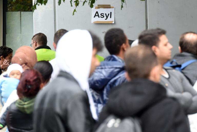CSU weist Kirchen-Kritik an Flüchtlingspolitik zurück (© 2015 AFP)