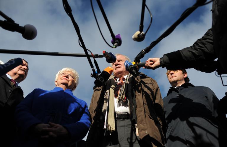 Seehofer will Ende der Debatten über Pegida und AfD (© 2015 AFP)