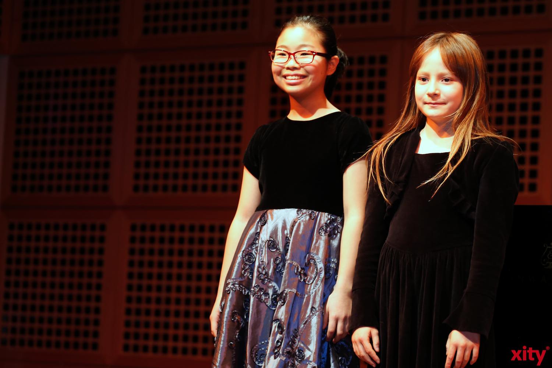 Hochbegabte Schülerinnen der Robert Schuhmann Schule boten musikalische Unterhaltung  (xity-Foto: D.Creutz)
