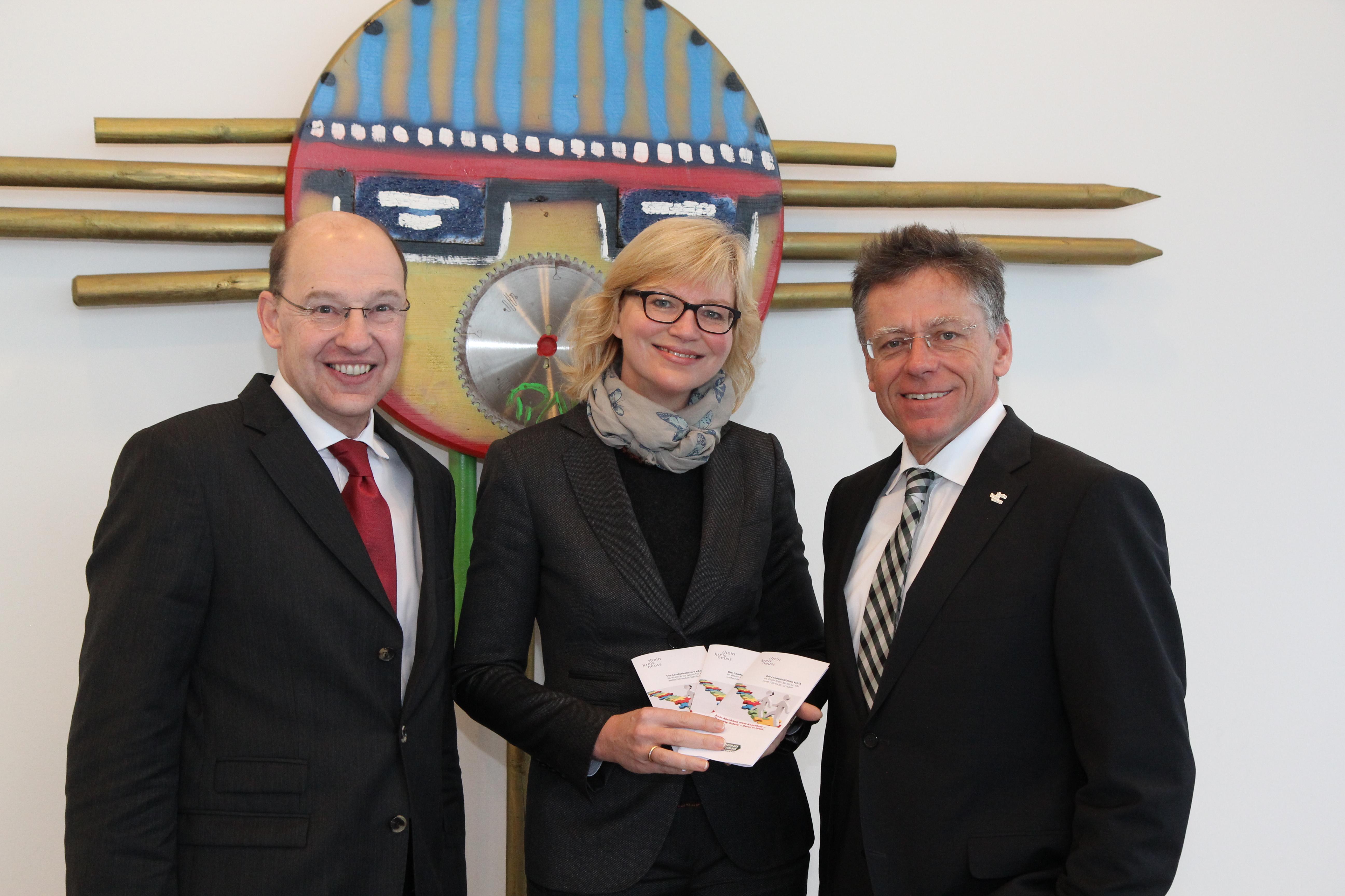 V.l.: Kreisdezernent Tillmann Lonnes, Projektleiterin Claudia Trampen und Landrat Hans-Jürgen Petrauschke (Foto: Rhein-Kreis Neuss)