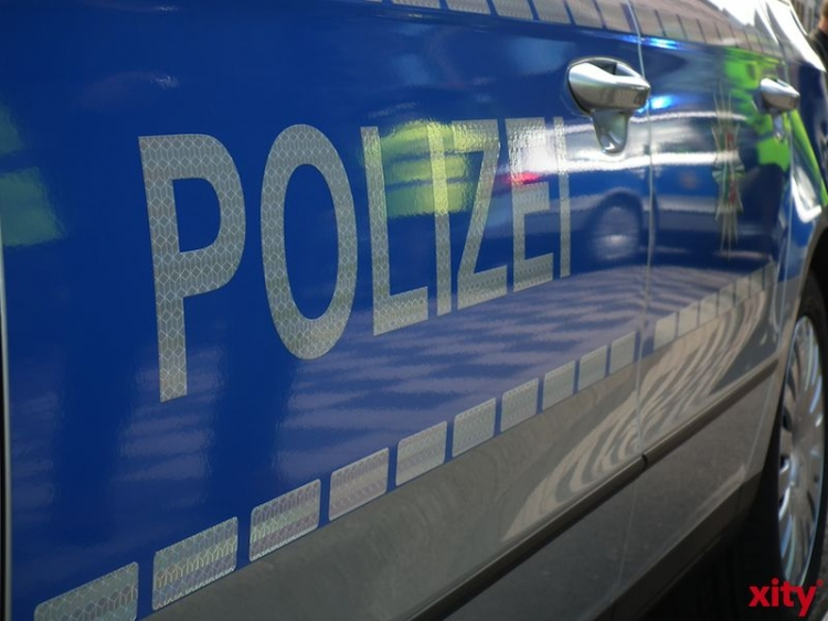 Mutter und Kind bei Alleinunfall in Gerresheim schwer verletzt (xity-Foto: M. Völker)