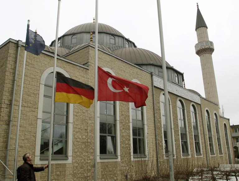 Muslimische Verbände rufen für Dienstag zu Mahnwache auf (© 2015 AFP)