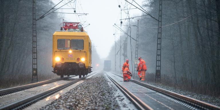 Stürme behindern Bahnverkehr in Norddeutschland (© 2015 AFP)
