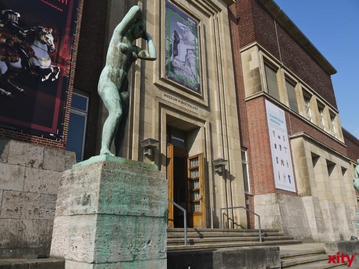 """Das hochrangige Gemälde """"Pariser Wochentag"""" von Adolph von Menzel bleibt im Düsseldorfer Museum Kunstpalast (xity-Foto: P. Basarir)"""