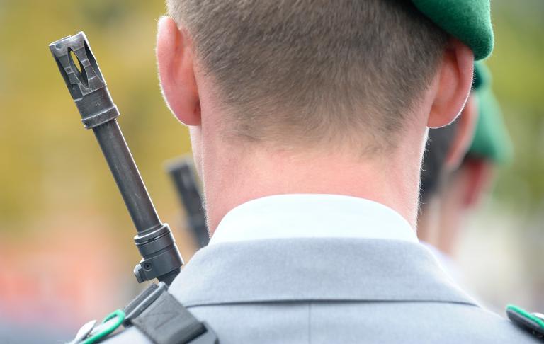 Dienst in der Bundeswehr soll attraktiver werden (© 2015 AFP)