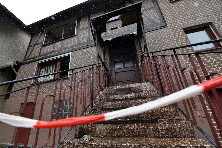 Hessen: Zweijährige Zwillinge sterben bei Wohnhausbrand (© 2015 AFP)