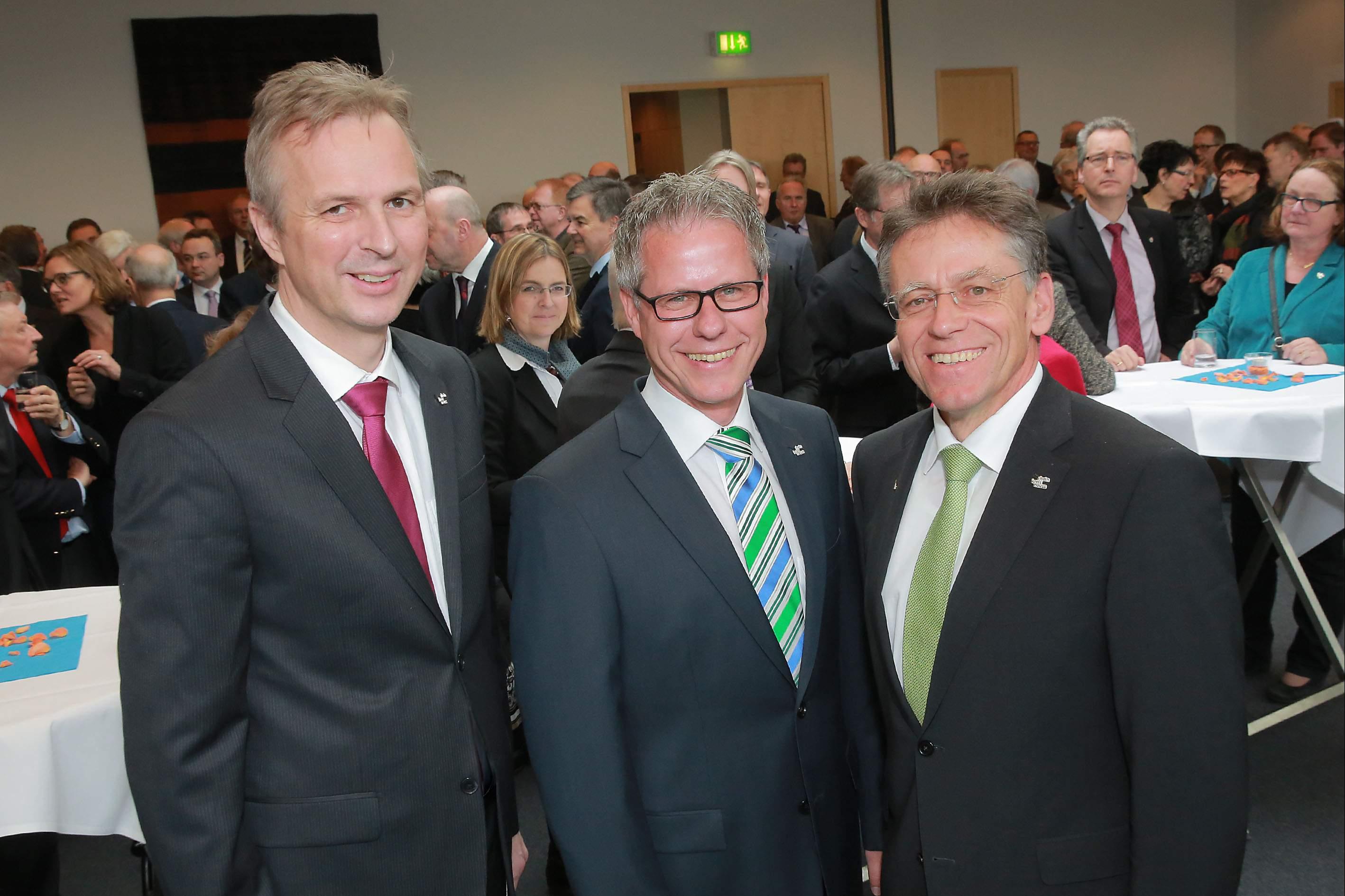 (v.l.)Dirk Brügge, Jürgen Steinmetz und Landrat Hans-Jürgen Petrauschke. (Foto: A. Baum/Rhein-Kreis Neuss)