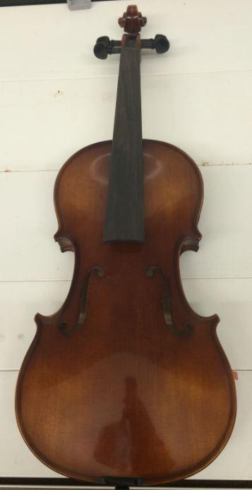 Die entwendeten Streichinstrumente sind noch nicht spielfähig, da erst noch die Saiten aufgezogen werden müssen (Foto: OTS)