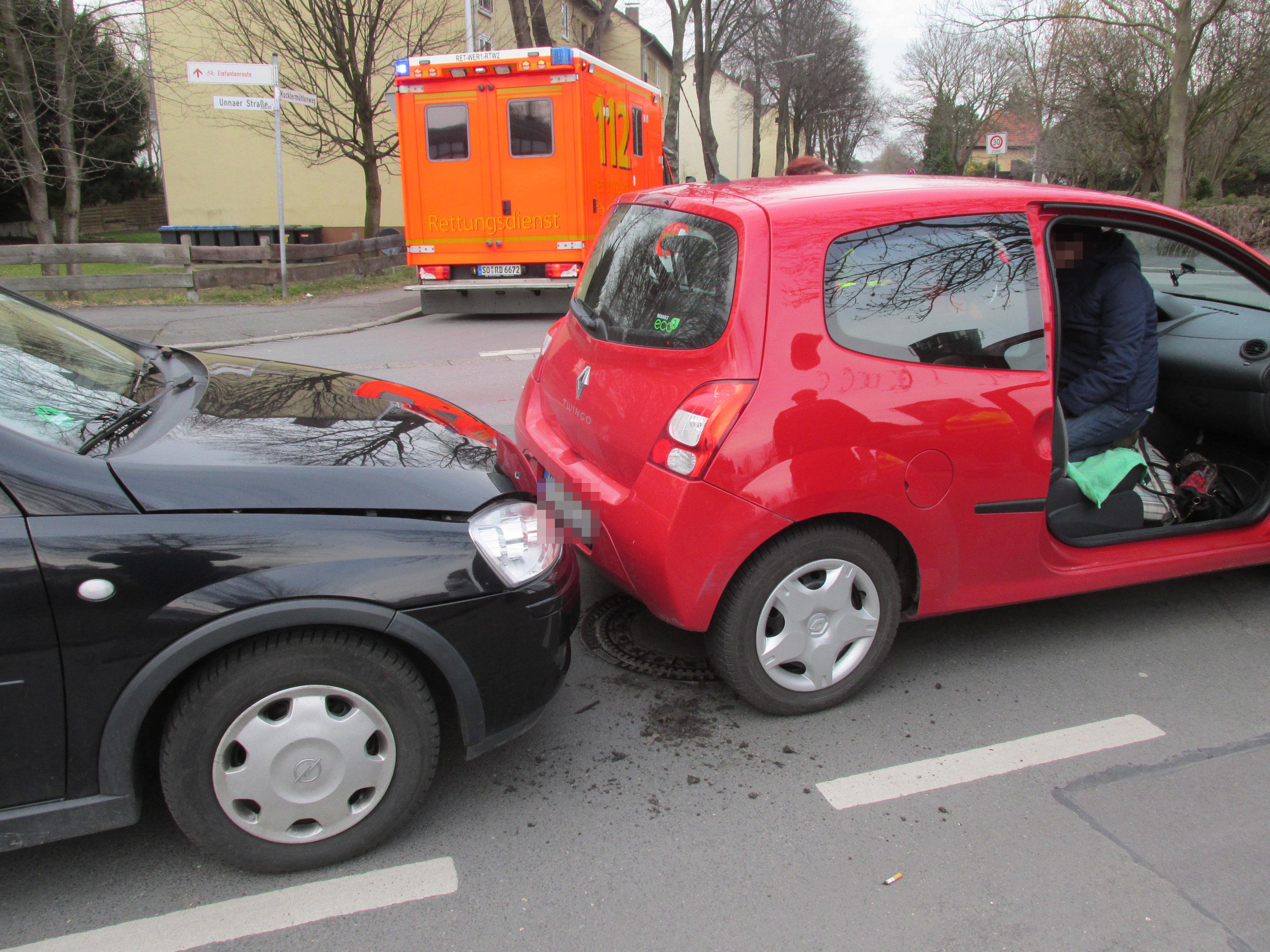 Werl - Auffahrunfall mit zwei Verletzten (Foto: OTS)