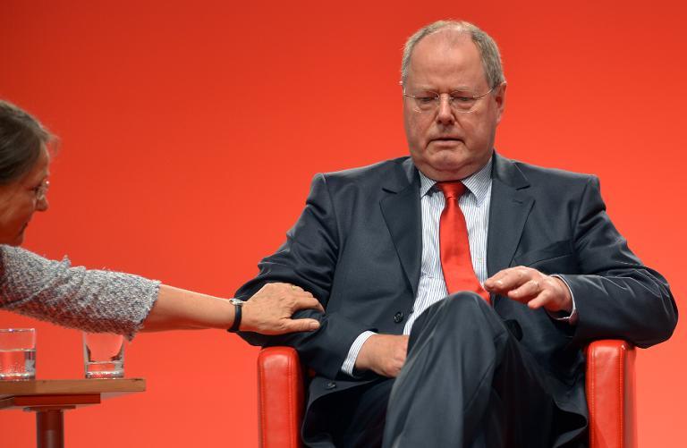 """Steinbrück nennt seine Kanzlerkandidatur """"Fehler"""" (© 2015 AFP)"""