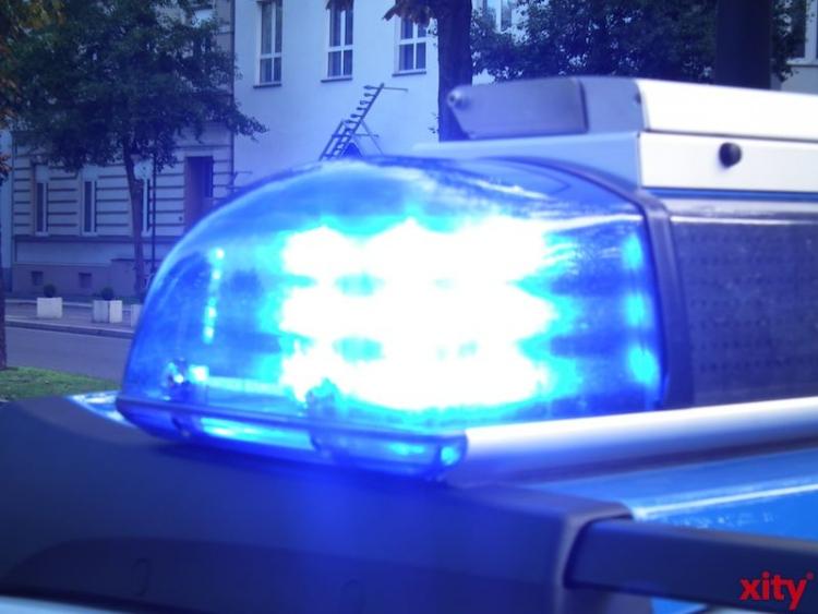 Verkehrsunfall mit Beteiligung ein Notarztwagens (xity-Foto: M. Völker)