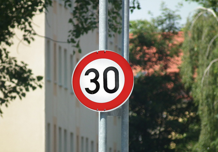Tempo 30-Begrenzung innerorts als auch ein generelles Tempolimit für Pkw auf deutschen Autobahnen unbeliebt (xity-Foto: D. Postert)