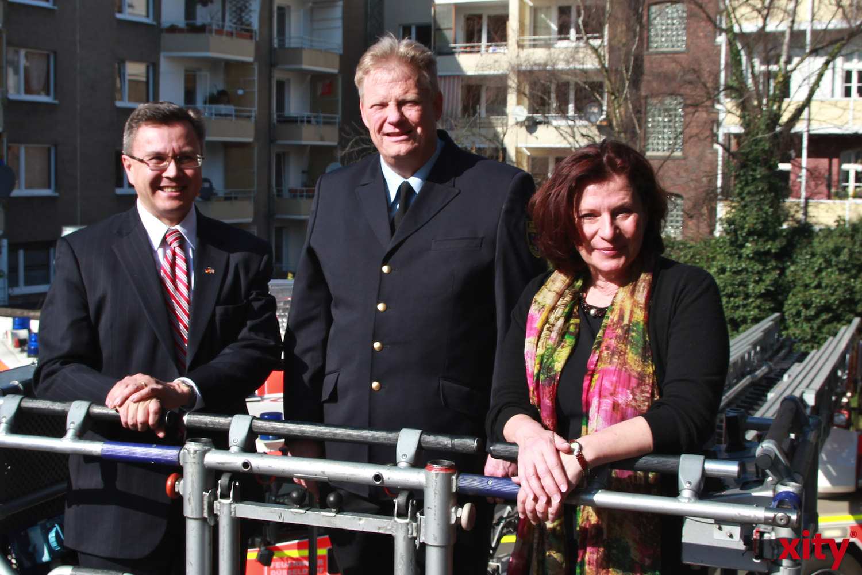 (v.l.) Stephen Hubler, Peter Albers und Helga Stulgies (xity-Foto: D. Creutz)