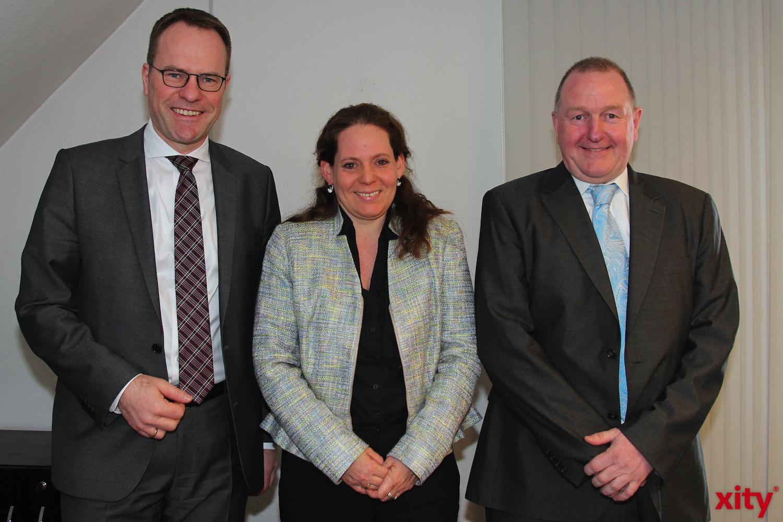 v.l. Dr. Stephan Keller, Tanja Schwarzer und Manfred Golschinsky bei der Vorstellung des Fragebogens (xity-Foto:A.Obreiter)