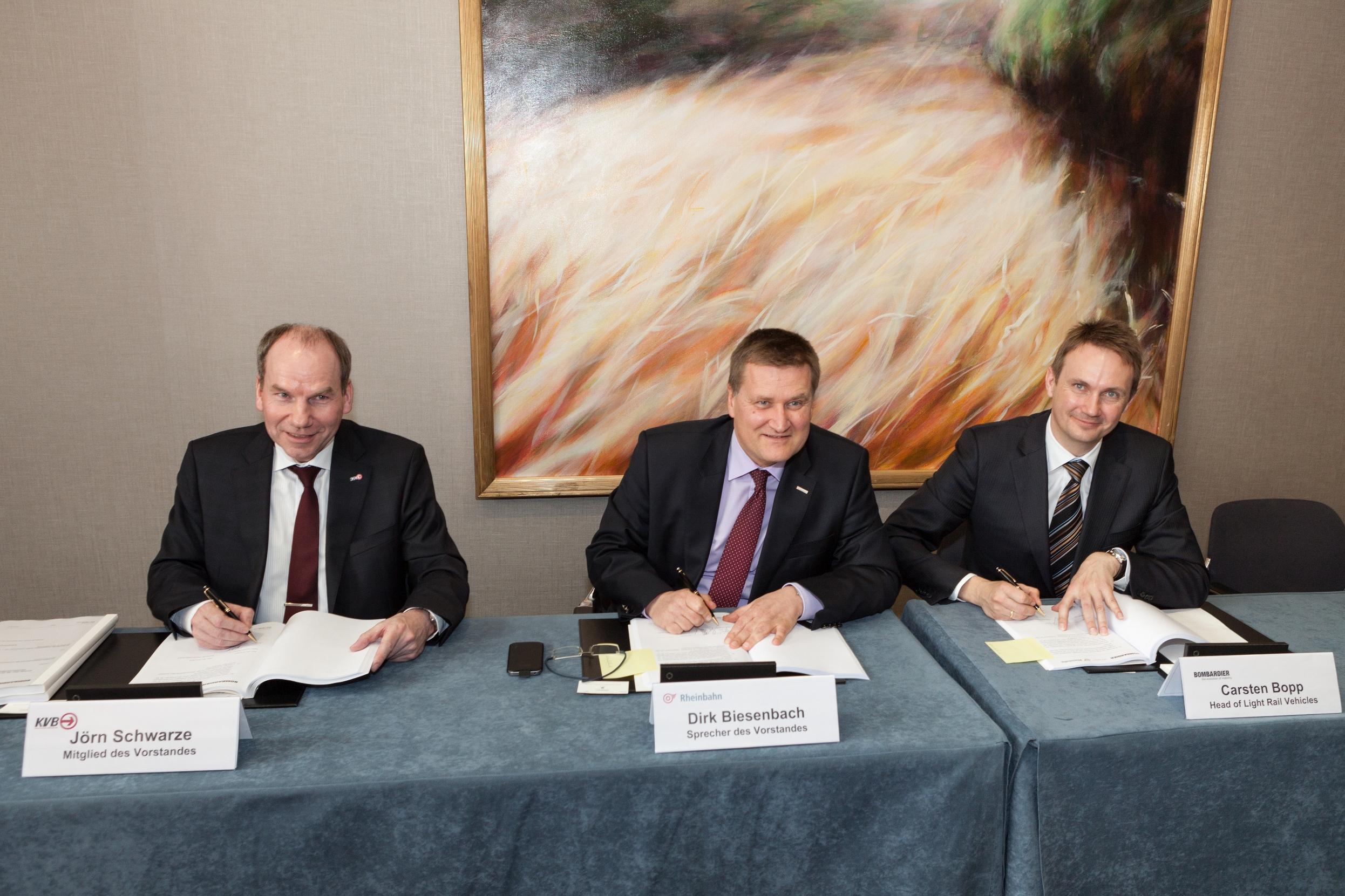 KVB und Rheinbahn unterzeichnen Vertrag (Foto: KVB)